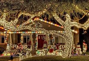Beautiful Christmas Homes Decorated by 10 Beautiful Pictures Of Christmas Lights From Around The