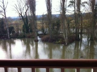 a river runs through it a walk in the thames a modern