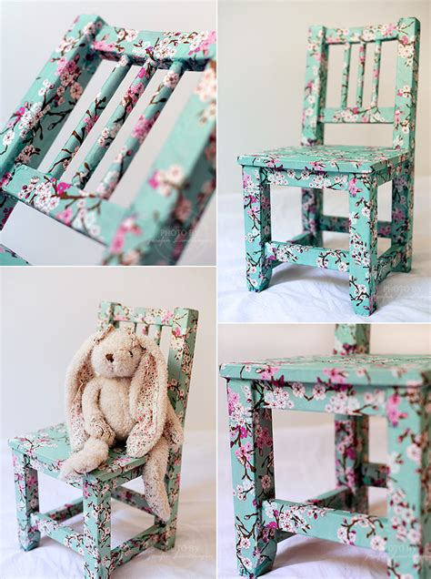 Using Napkins For Decoupage - use d 233 coupage to create a beautiful new chair decoupage