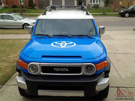 toyota sport utility vehicles toyota fj cruiser base sport utility 4 door