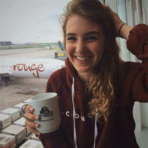 book thief hairstyles 38 best sophie nelisse images on pinterest sophie