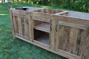 How To Make A Barn Door Headboard Diy Rustic Pallet Vanity Paneled Doors Pallet Furniture