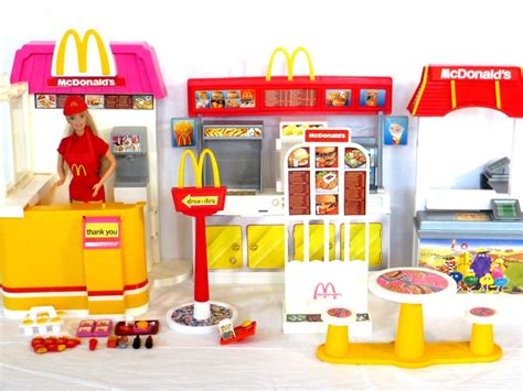 Set Mc K mcdonald s play sets from 1993 and 2003 with