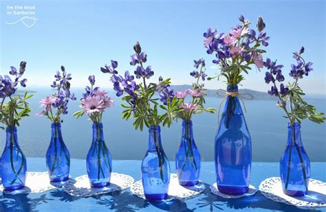 diy santorini wedding decor in blue purple