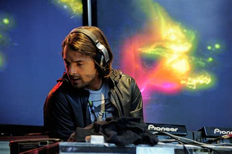 axwell center of the universe remode link axwell center of the universe remode mix by the wavs