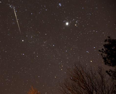 Meteor Shower Chicago by Geminids Meteor Shower Peaks Tuesday Moon May