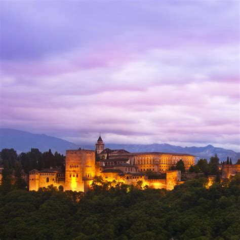 Alhambra Palace, Granada, Spain : Map, Facts, Location