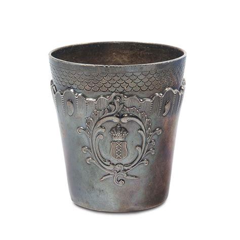 bicchieri argento bicchiere cilindrico in argento con decoro sbalzato