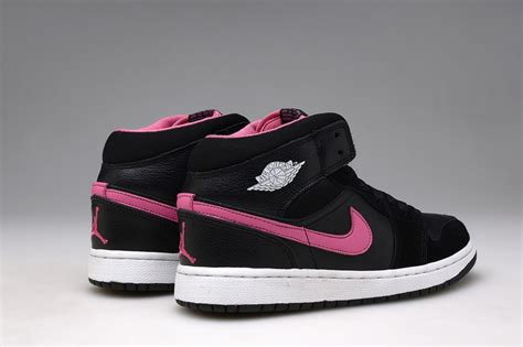Sepatu Nike Air One Black Pink Womens Style Sporty Trendy air 1 uk