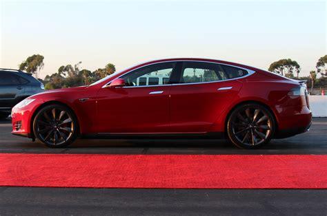 Mercedes Tesla Mercedes Parent Company Daimler Sells 4 Percent Stake In Tesla