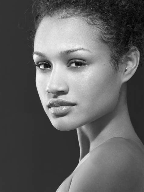 Cycle 2 Week 6: Black and white beauty shots | Top Model