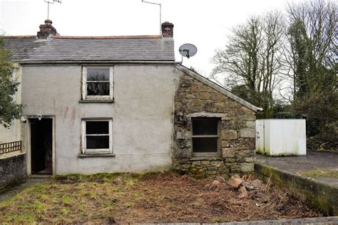 cottage renovation look inside this helston cottage renovation opportunity