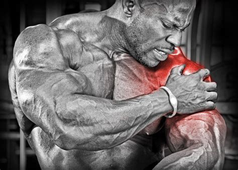 shoulder injuries from bench press big bench big pecs shoulder pain