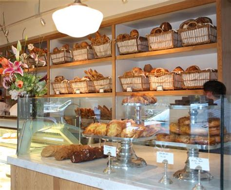 Countertop Pastry by Best 25 Bakery Cafe Ideas On Bakery Display
