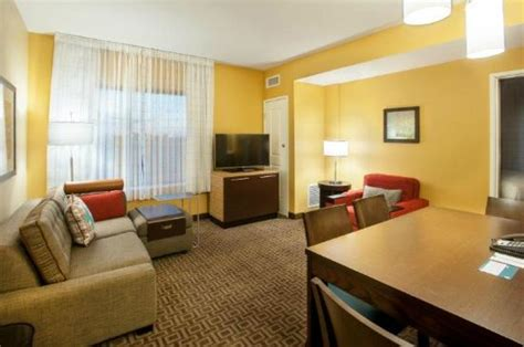 2 bedroom suites near mall of america two bedroom living room picture of towneplace suites