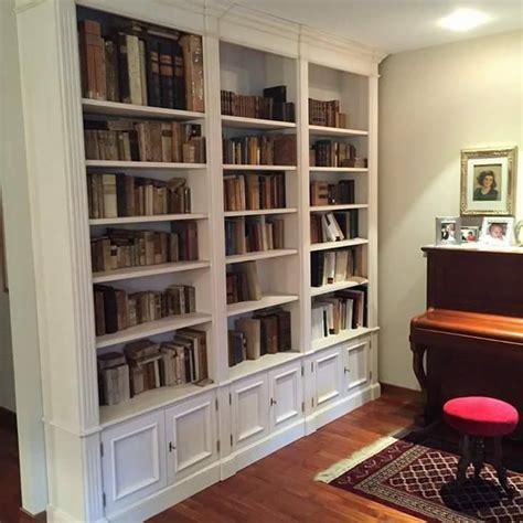 di mano in mano libreria libreria laccata a mano su misura libreria legnoeoltre