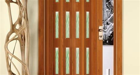 porta a soffietto in legno come scegliere porta a libro in legno porte a libro in legno