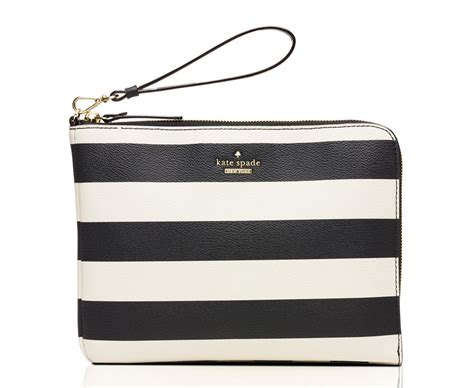 Quintlin Bag purseblog asks do you want your purse to charge your