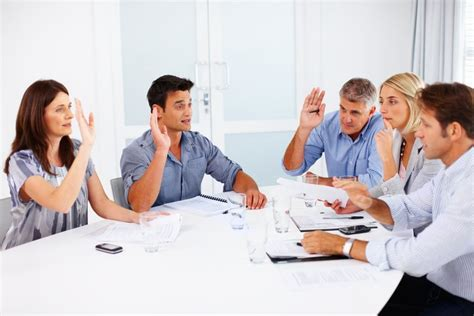 i got a meeting in the room don t make these board meeting minutes mistakes
