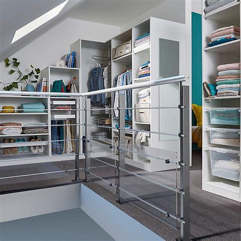 Aménager Une Chambre Sous Pente by Creer Rangement Sous Pente Maison Design Apsip