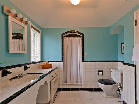 1940s Bathroom Design Five Vintage Pastel Bathrooms In This Lovely 1942 Capsule House Portland Oregon 13 Photos