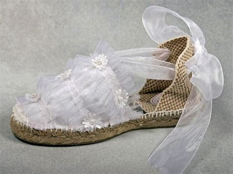 como decorar zapatillas de esparto para comunion idea para decorar alpargatas de primera comuni 243 n comunion