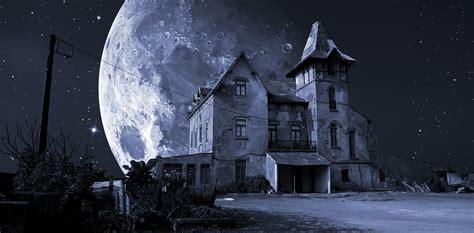 evolutionary psychology explains why haunted houses creep