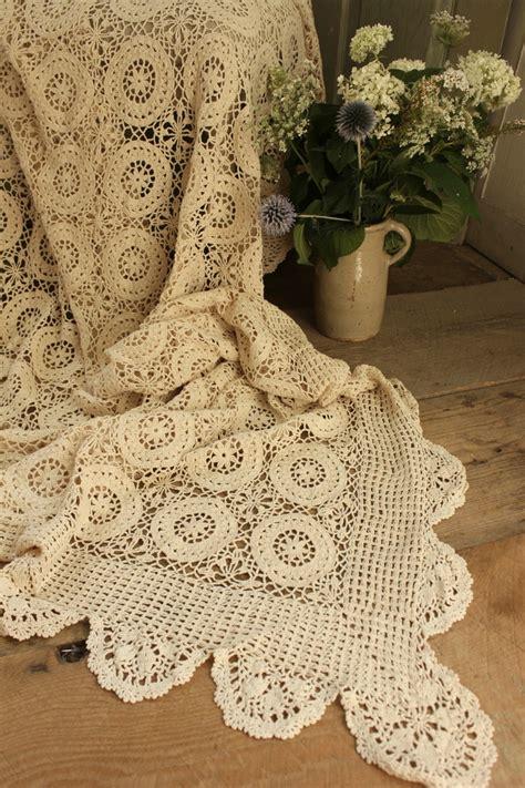 crochet coverlet 25 best ideas about crochet bedspread on pinterest