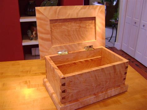 woodworkers shop pekin figured birch small chest by mgb 2x lumberjocks