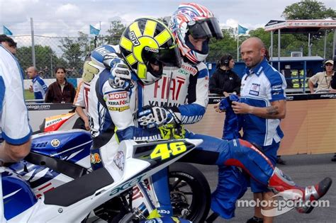 pattern energy colin edwards polesitter colin edwards and valentino rossi celebrate at