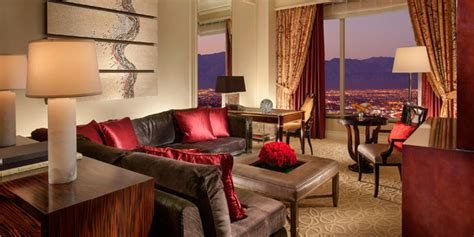 las vegas two bedroom suites on the a look at some of the best two bedroom vegas suites