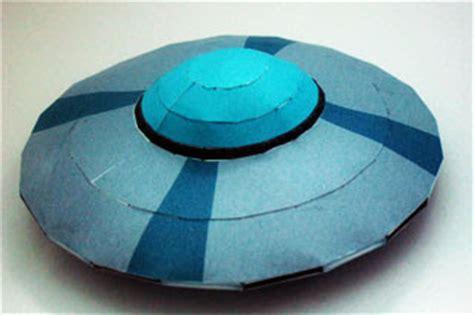 Papercraft Spaceship - elvis spaceship papercraft paperkraft
