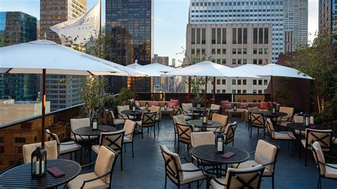 roof top bar new york a chic new look on the roof salon de ning new york