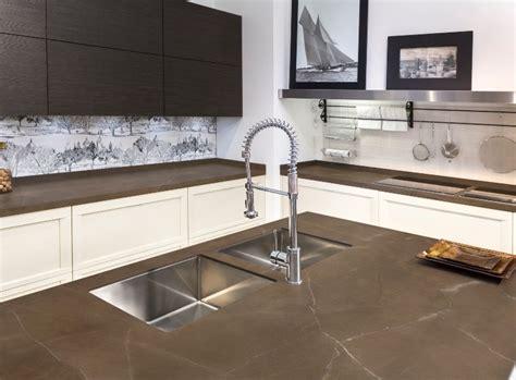 arbeitsplatte keramik arbeitsplatten f 252 r k 252 che und bad corian konfektion