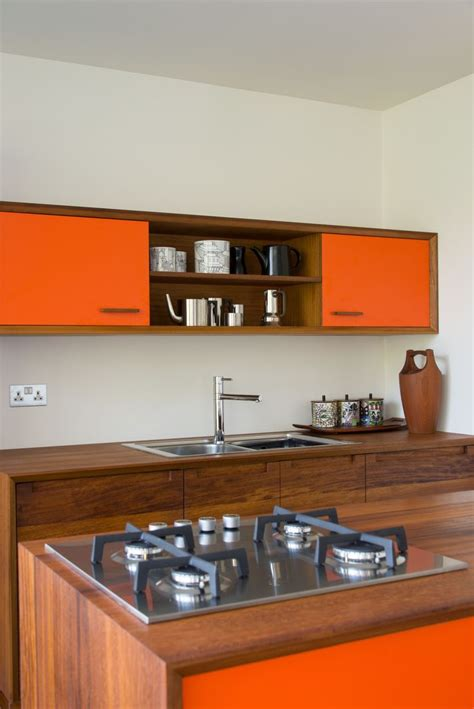 mid century kitchen ideas 25 best ideas about 70s kitchen on 1970s