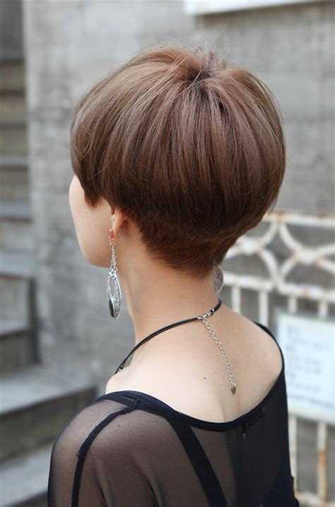 wedge cut for thin hair back view of short hairstyles