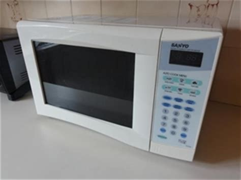Sanyo Compact Microwave Oven compact microwave oven sanyo model no em s1553 auction
