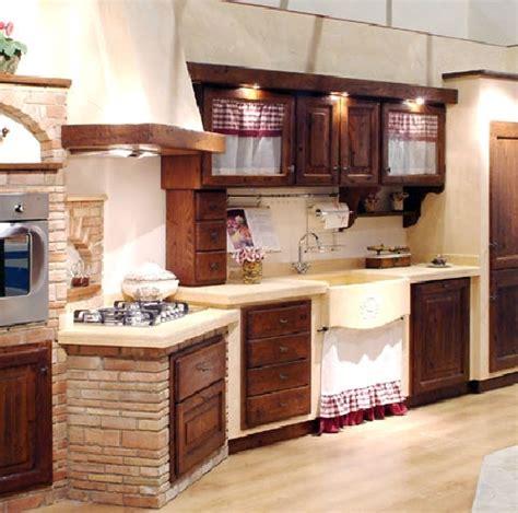 cucina piastrellata foto cucina in muratura di caminetti carfagna 62391