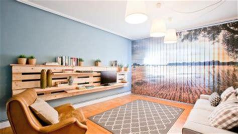 decorar salon sencillo sal 243 n sencillo y natural con mueble de palets decogarden