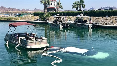 boat crash topock az truck submerged in lake havasu the daily courier