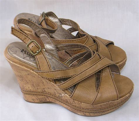 mudd sandals vintage pair of size 6m brown mudd shoes cork style wedge