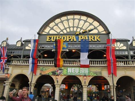 europa park eingang im europapark den alltag einmal ausblenden ist kinderleicht