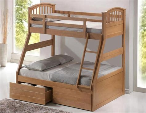 Bunk Beds For Three Sleepers by Artisan Oak Three Sleeper Bunk Bed Bedstar Co Uk