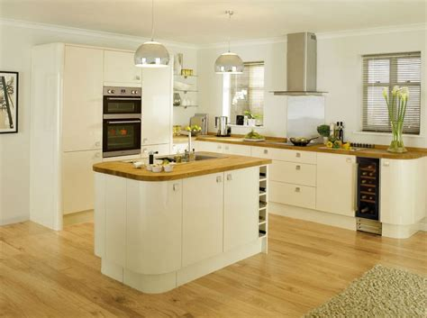 cream kitchens best 25 cream kitchen designs ideas on pinterest cream