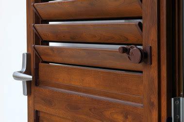 persiane in pvc o alluminio e installa persiane in legno e persiane in alluminio