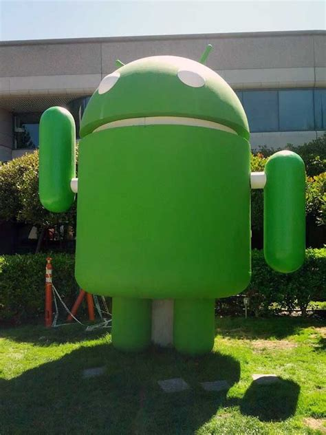 android statues jelly bean android statue back in waving