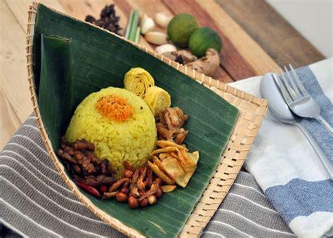 cara membuat nasi uduk kuning dengan magic com yuk coba 4 resep nasi kuning andalan untuk keluarga anda
