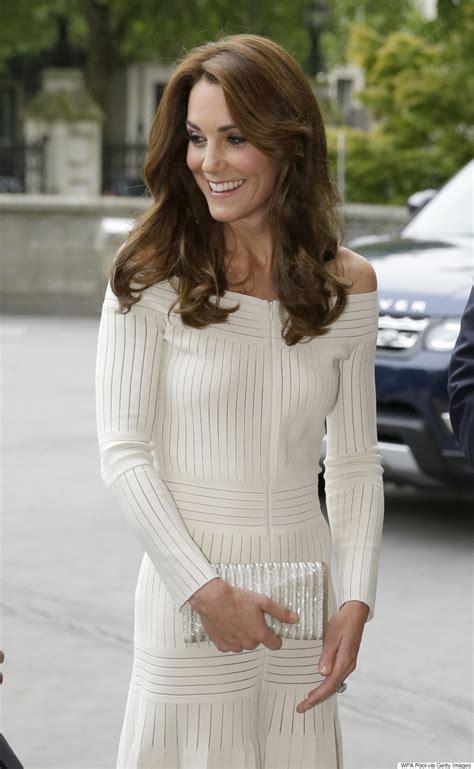 Vs Katee by Kate Middleton Wears The Shoulder Barbara Casasola