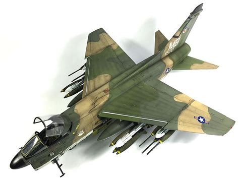 trumpeter    corsair ll large scale planes