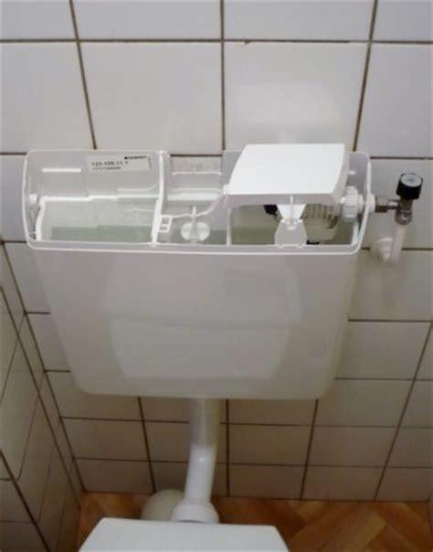 stortbak wc werking doorlopen stortbak